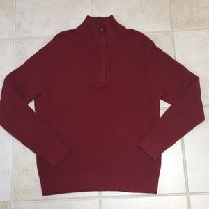 Textured red men's zip sweater sz M, like new!